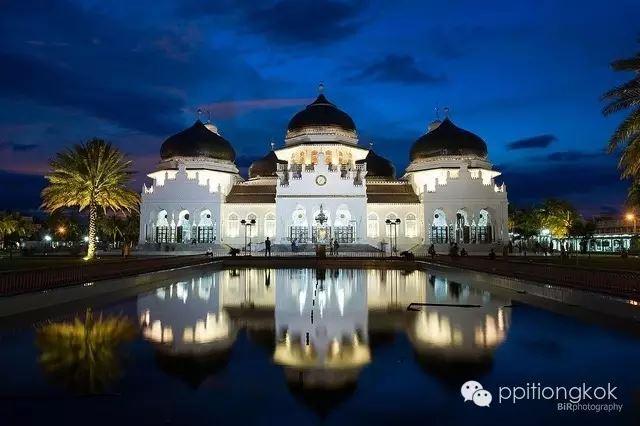Masjid_baiturrahman_aceh