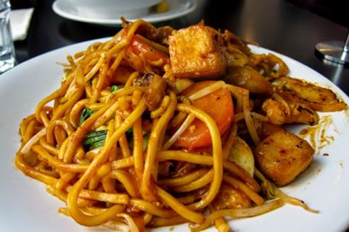 Traditional Food lakse tanjung pinang