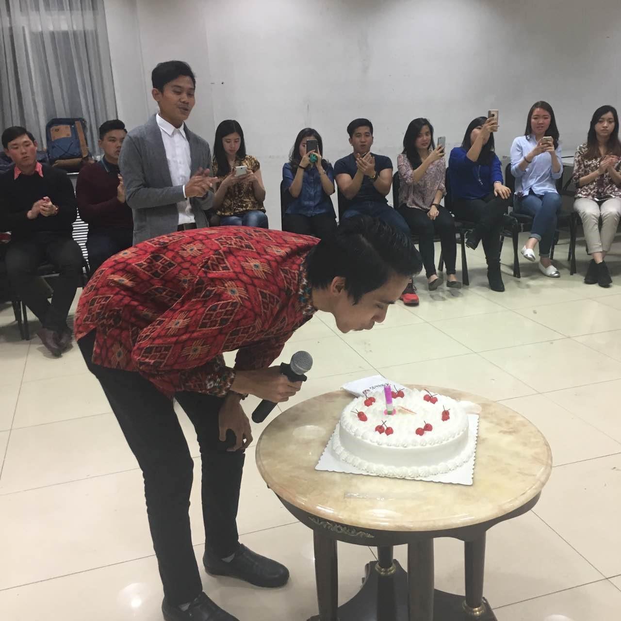 lilin-kue-ulang-tahun-ppi-tiongkok