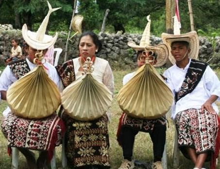 Traditional Clothes Rote Indonesia NTT