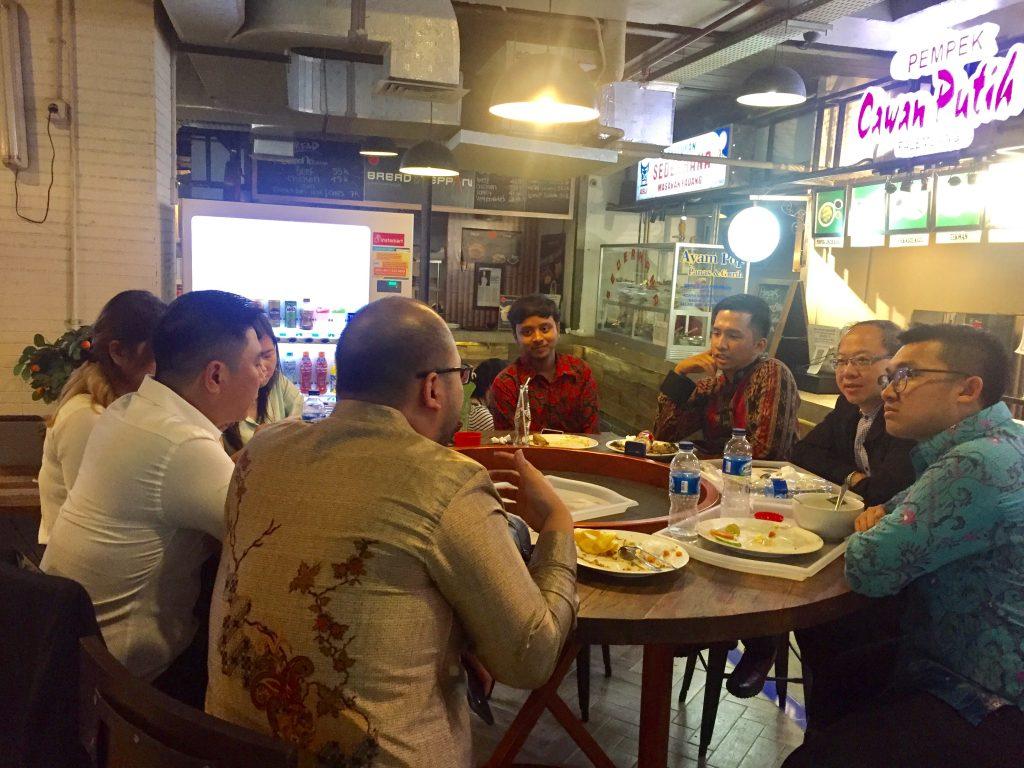 PPI Tiongkok dan Perhati Diskusi Santai sambil makan siang (sumber photo: pribadi)
